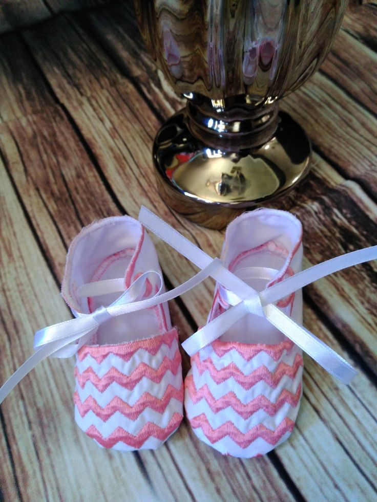 Baby Girls White And Pink chevron Shoes, Newborn Baby Girls Shoes, Soft Sole Shoes For Babies, Babies Footwear, Footwear For Girls by PPbabyboutique on Etsy