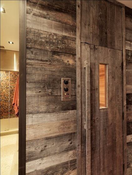 Reclaimed wood @ Sauna entrance - Rustic  by Birdseye Design