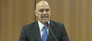 Suspeito de ligação do Estado Islâmico, Valdir Pereira da Rocha, que estava foragido, se entregou nesta sexta-feira (22) à Polícia Federal na cidade de Vila Bela da Santíssima Trindade, a 562 km de Cuiabá. Além de Valdir, a Polícia Federal ...
