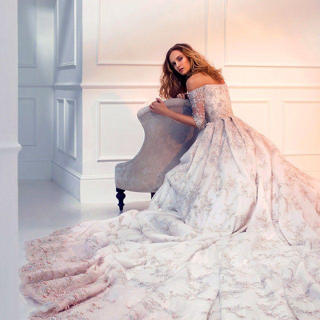 Breathtaking decadence #ralphandrusso #couture #bridal #pearls #embroidery #embellishment #weddingdress #wedding #springsummer #ss15