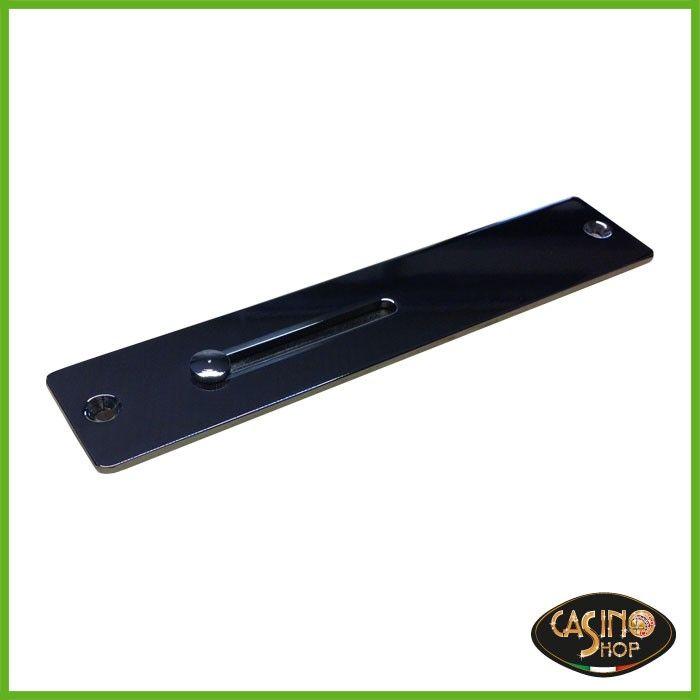 ART.0100 Slot frame per uso professionale, in metallo.  Lo Slot Frame viene avvitato sul tavolo da gioco, la chip viene inserita e cade nella cassetta di sicurezza situata sotto. Dimensioni: L 180 x P 36 x H 10 mm.