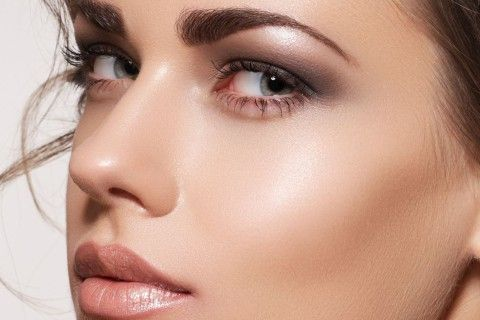 Are you having a first date? Get the  stunning look ... see the inspiration in this tutorial >>> http://justbestylish.com/first-date-makeup/