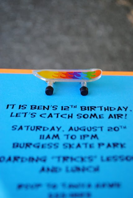 skateboard party invites - cute!