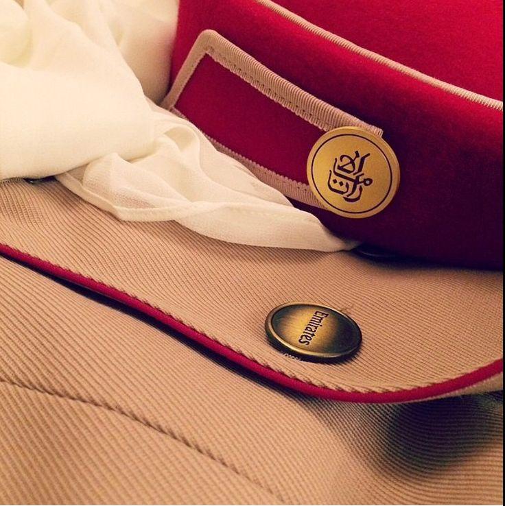 Emirates cabin crew uniform details