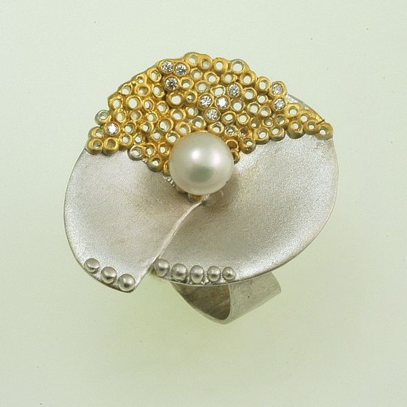 Ring Moonlight Iosif with gold plated Silver 925,zircon stones & white akoya pearls. Ring Code:3301.RG.1506.GO.SY.OS.001