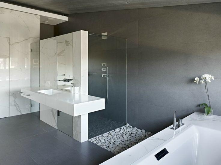 Die besten 25+ Marmor duschen Ideen nur auf Pinterest | Master ... | {Modernes bad mit eckbadewanne und dusche 74}