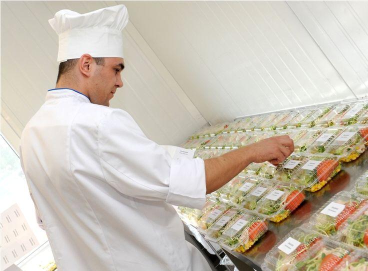 Menu przygotowywane jest przez doświadczonych kucharzy i dietetyków