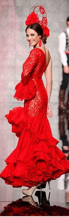 Carmen Latorre, Simof 2014, another beautiful flamenco dress and fashion style in beautiful red.
