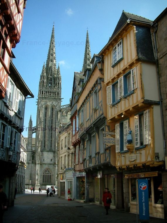 Quimper - the nicest place to go shopping!