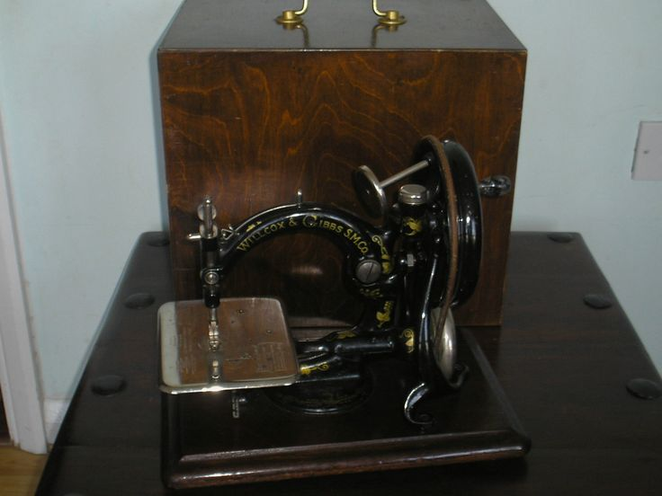 Willcox and Gibbs sewing Machine with Case 1888