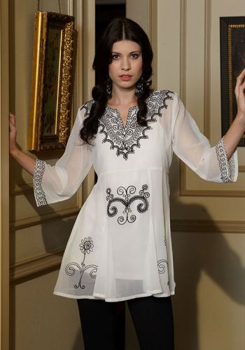 Brands :: Roja Collection :: ROJA SPRING 2014 PRIMITIVE FIT AND FLAIR TUNIC! - Native American Jewelry Ladies Western Wear Double D Ranch La...http://www.cowgirlkim.com/cowgirl-brands/roja/roja-spring-2014-primitive-fit-and-flair-tunic.html