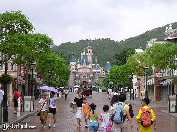 Disney .. HONG KONG STYLE!  Shelby's going here!  - I want to go here since it sure doesn't look insanely crowded like the Florida Disney World.