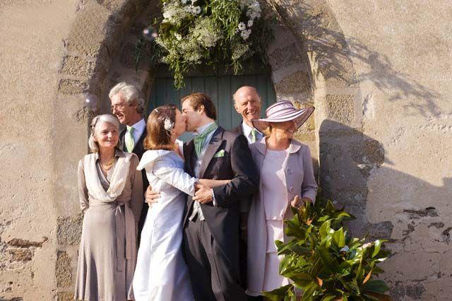 Kiss the Bride @ www.wikilove.com/Kiss_the_bride