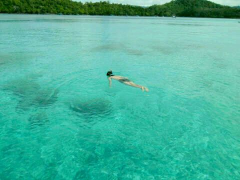 We dont need to standing if we can to swim into crystal clear water. #iboih #Weh #Aceh #Indonesia #Adventure