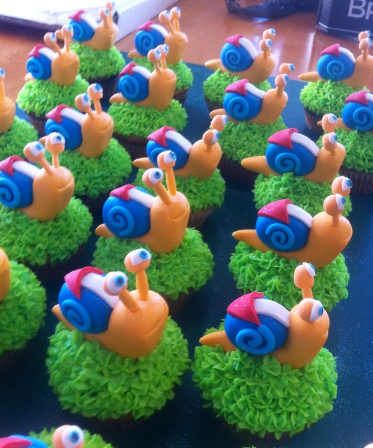 Turbo Snail Cupcakes