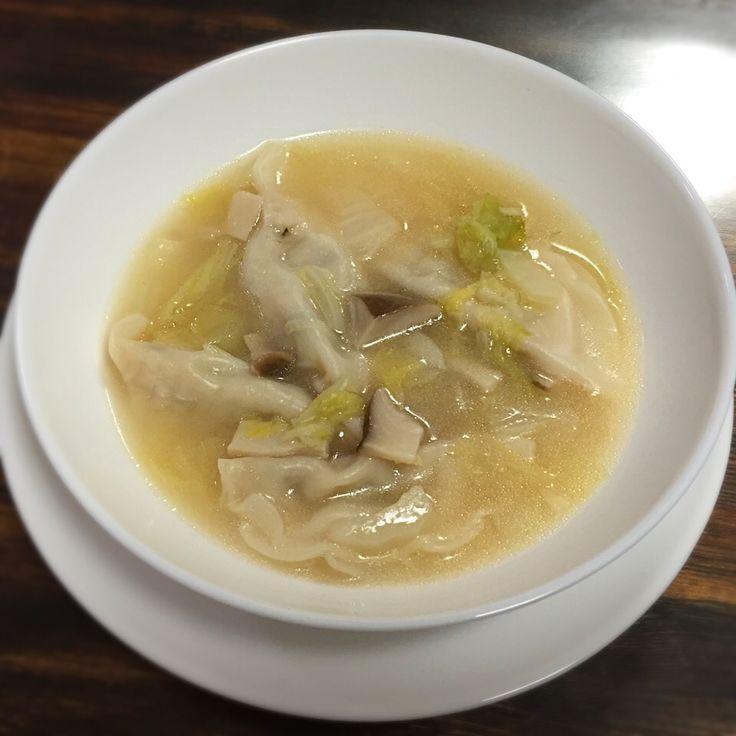 いしくん's dish photo 白菜とエリンギ のスープ餃子 | http://snapdish.co #SnapDish #簡単料理 #晩ご飯 #ベジタリアン #お弁当 #中華スープ