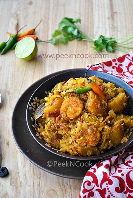 bengali style prawn & cabbage curry