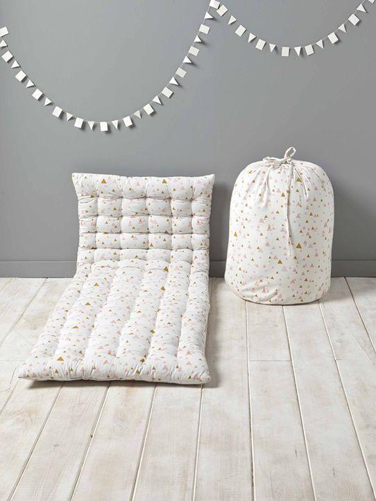 m s de 25 ideas incre bles sobre matelas d appoint en. Black Bedroom Furniture Sets. Home Design Ideas
