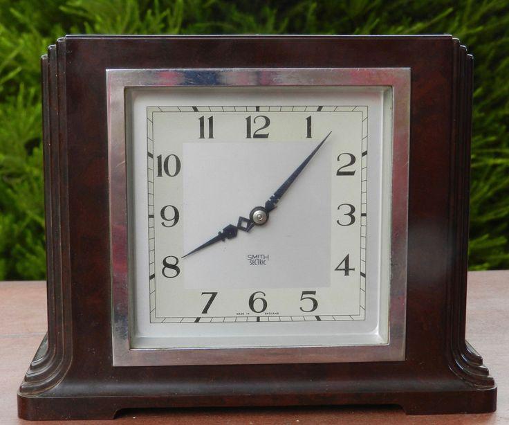 1930s Art Deco Smith Sectric Bakelite Electric Clock - Working!