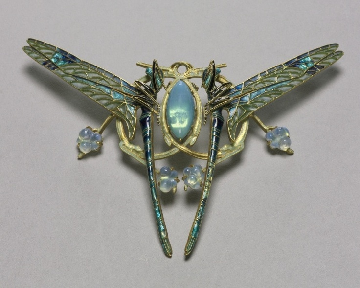 Dragonfly pendant by Rene Lalique | 1900-10 | Gold, enamel & calcedony? | Cleveland Museum of Art: Dragonfly Jewelry, Cleveland Museums, Art Appreciation, Dragonfly Pendants, Art Nouveau Bijoux, Dragon Flying, Cloisonn Enamels, Laliqu Jewelry, Art Deco