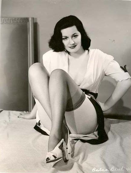 Maudelynn 1940s Pin Up Via