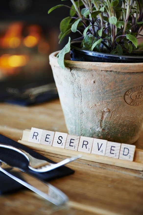 These scrabble letters 'reserved signs' are so cute! ❤️‍