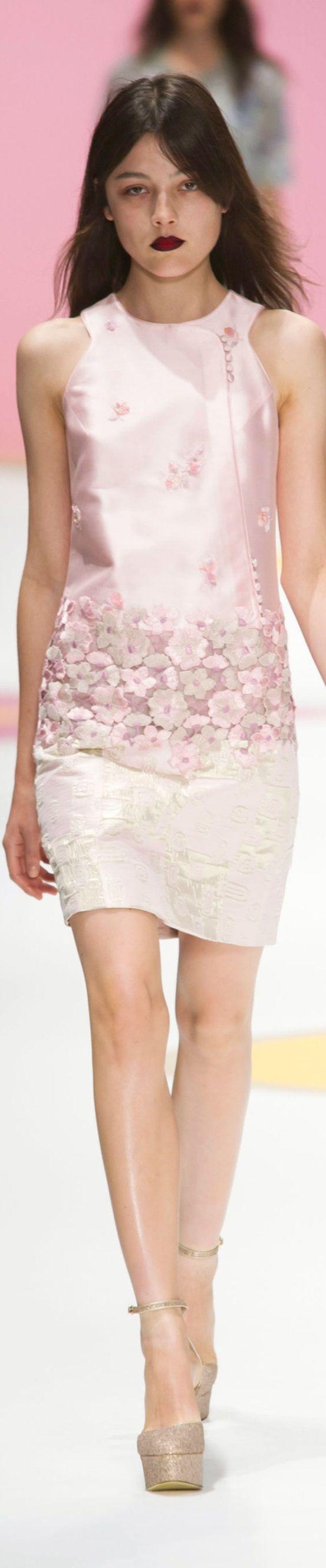best embellished images on pinterest embroidery fashion