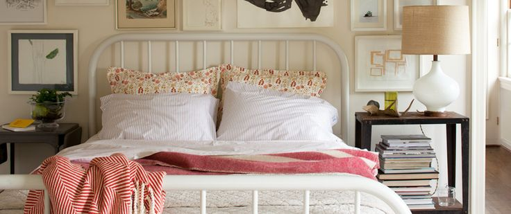 I LOVE the white iron bed. Guest room