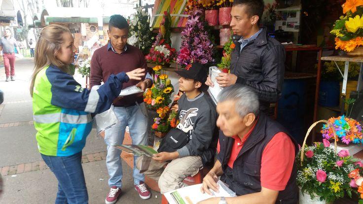 Feria de servicios que se adelantará en el parque de las flores, en el marco de la celebración de la semana ambiental convocado desde la Secretaría de Ambiente. Se entregaron kits de bolsas blancas y negras, socializando el correcto uso de las mismas. Participaron: IDRD, Secretaria de Ambiente, Hospital de Chapinero, Alcaldia Local de Chapinero, batallón de Policía Militar y Aguas de Bogotá.