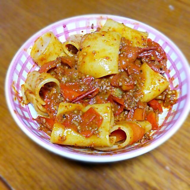 ピリ辛パスタです - 12件のもぐもぐ - ピリ辛そぼろとミニトマトのパスタ by oborozukiyo