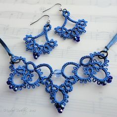 Blue tatted necklace and earrings from @Craftsy on Pinterest Shuttle Tatting course pattern