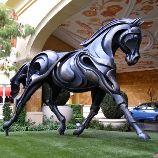 Bronze statue of 39 brentina 39 american dressage horse in for Yard statues las vegas