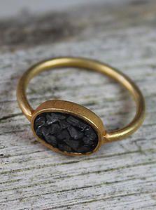 Mark&Waldorf Så fin en ring med sorte diamanter