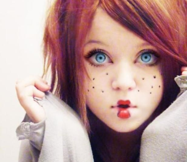 Doll MakeUp - freckles and lips
