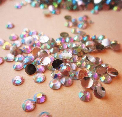 Strassit Multicolor 3mm 250 kpl #kynnet #nail #nails #art #nailart #glitter #kynsikoristelu #kynnet #kynsitaide #kauneus #rhinestones #strassit