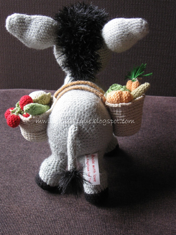 I've requested for the pattern.  Hope to get it finish for Christmas gift to surprise my daughter.  :)