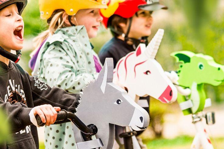Bike Animal van Donkey Products  Wie droomt er nu niet van dieren? Heerlijk avonturen beleven op de rug van een dier die jij geweldig vindt?! Dat is nu werkelijkheid geworden met de Bike Animal. #kindercadeau #kinderfiets