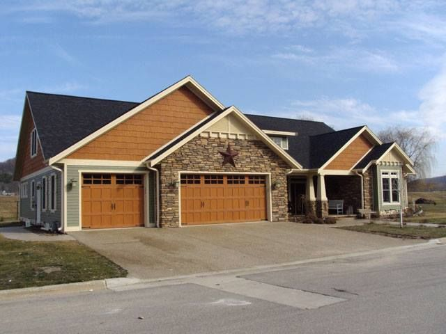 Diamond kote moss lp 8 inch lap with maple shakes and for Diamond kote lp siding colors