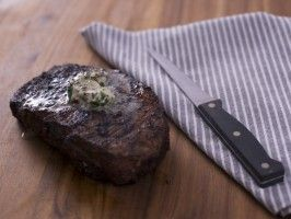 Pan-Seared Rib Eyes with Gorganzola Butter (MUST try this rub.  Can use with any beef)
