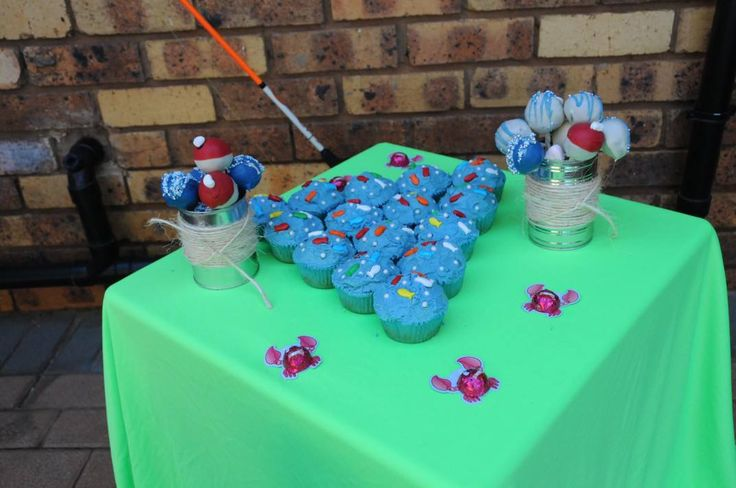Fish theme party - fishy cupcakes