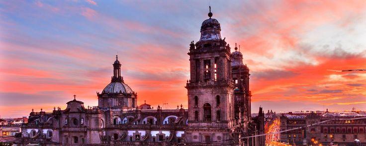 Guía para recorrer el Centro Histórico de la CDMX con ojos de turista. Recorre el Centro Histórico con ojos de turista y redescubre los lugares turísticos de la Ciudad de México. Te proponemos cinco puntos en esta guía rápida por la CDMX.