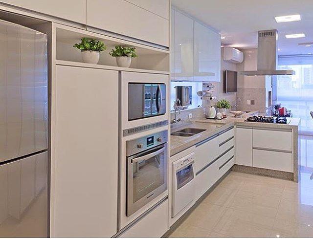 Bom dia! ✨ Cozinha clarinha e linda! Amei❣ @pontodecor  Projeto @arqmbaptista Snap:  hi.homeidea  #bloghomeidea #olioliteam #arquitetura #ambiente #archdecor #archdesign #cozinha #kitchen #arquiteturadeinteriores #home #homedecor #style #homedesign #instadecor #interiordesign #designdecor #decordesign #decoracao #decoration #love #instagood #decoracaodeinteriores #lovedecor #lindo #luxo #architecture #archlovers #inspiration #ambientesintegrados