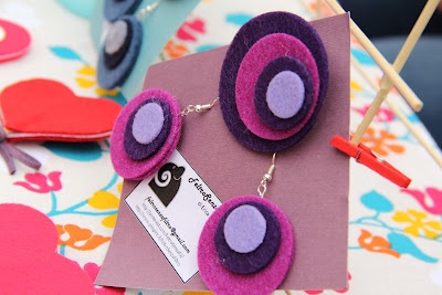 Felt brooch and earrings - Spilla ed orecchini in fetro - If you want to see all my creations in felt: http://www.facebook.com/media/set/?set=a.255436611220345.52624.255420627888610=3