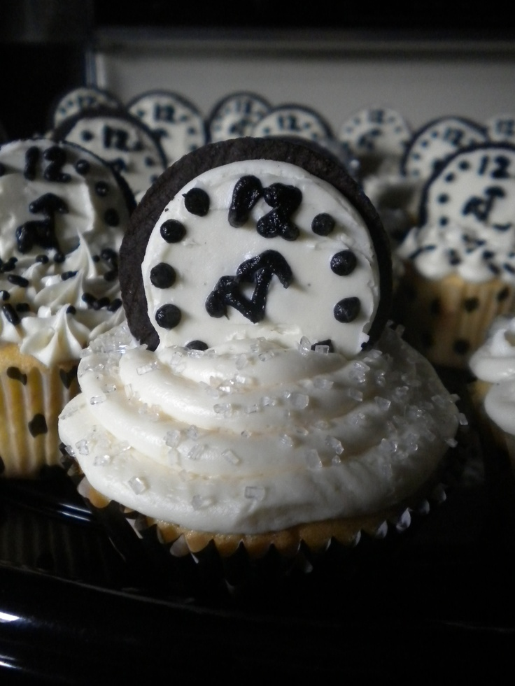 New Years Cupcakes -- cute!