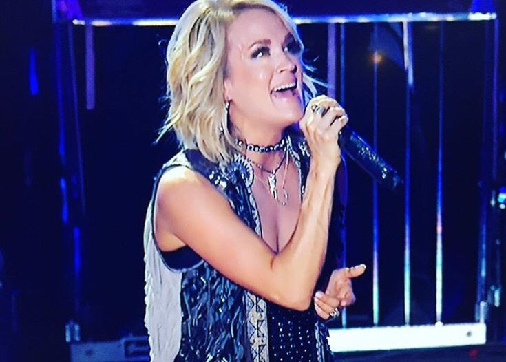 Carrie Underwood Cma Music Fest 2016 Shorthair Nexthaircut
