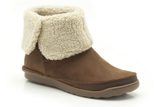 Not too sure about the lining, but it's my favorite brand - Clarks