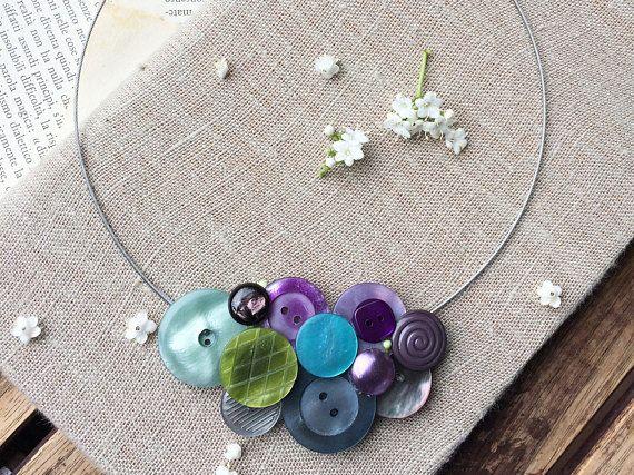 Collana romantica Primavera collana con bottoni vintage