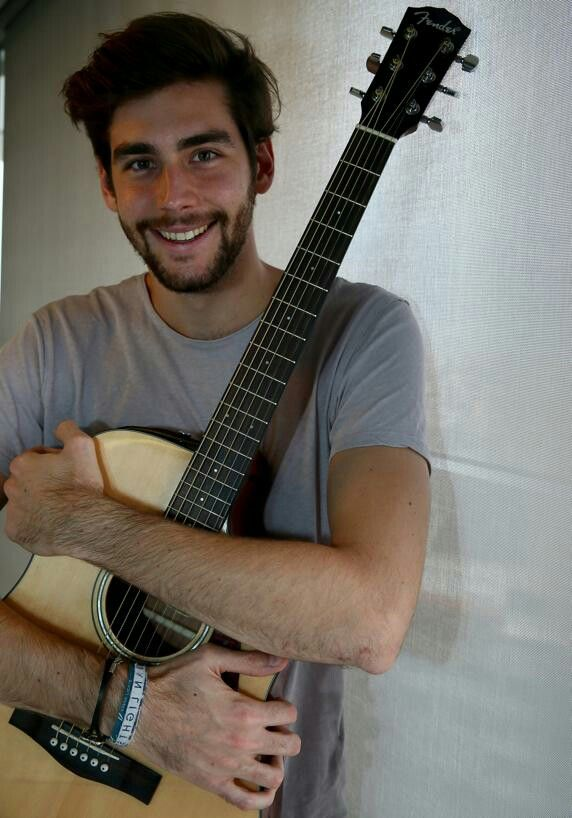 Alvaro with gitar