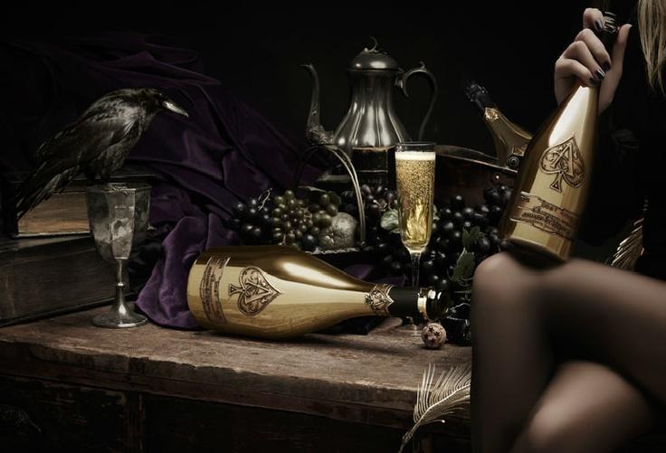 les 75 meilleures images du tableau champagne sensuelle et f minin sur pinterest la femme. Black Bedroom Furniture Sets. Home Design Ideas