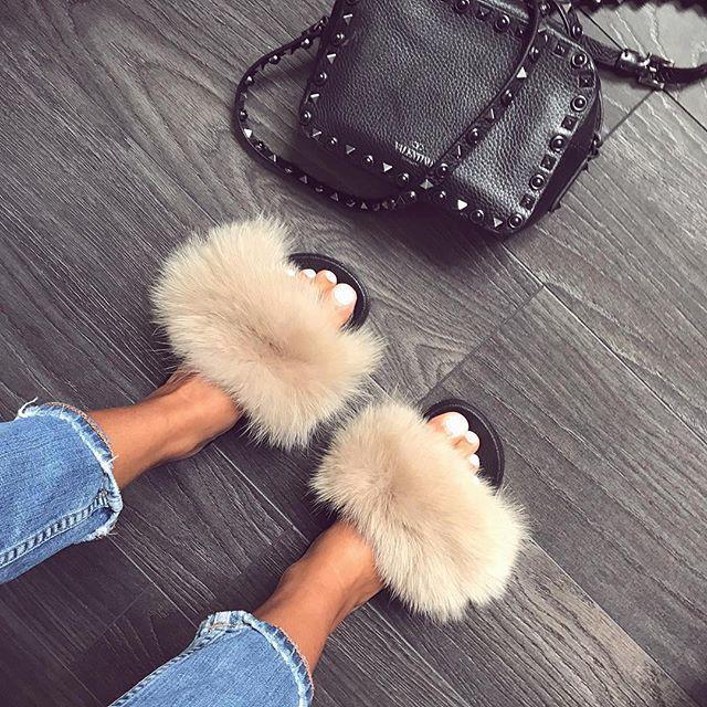 Fashion goals   Mules + Valentino!   @laura_naim  hauteacorn.com  .  .  #furslides #fluffyslides #furshoes #fursandals #furflipflops #slides #furslippers #slippers #sandals #shoes #indoor #outdoor #realfur